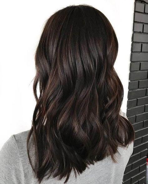 4b65abb063ce55041d6424ac4db8782b 1 - Шоколадный цвет волос: фото, краска, кому подходит