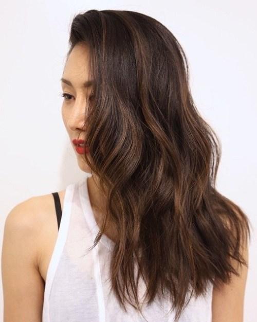 5 brown hair with babylights 1 - Каштановый цвет волос: оттенки, фото, краска, как покраситься