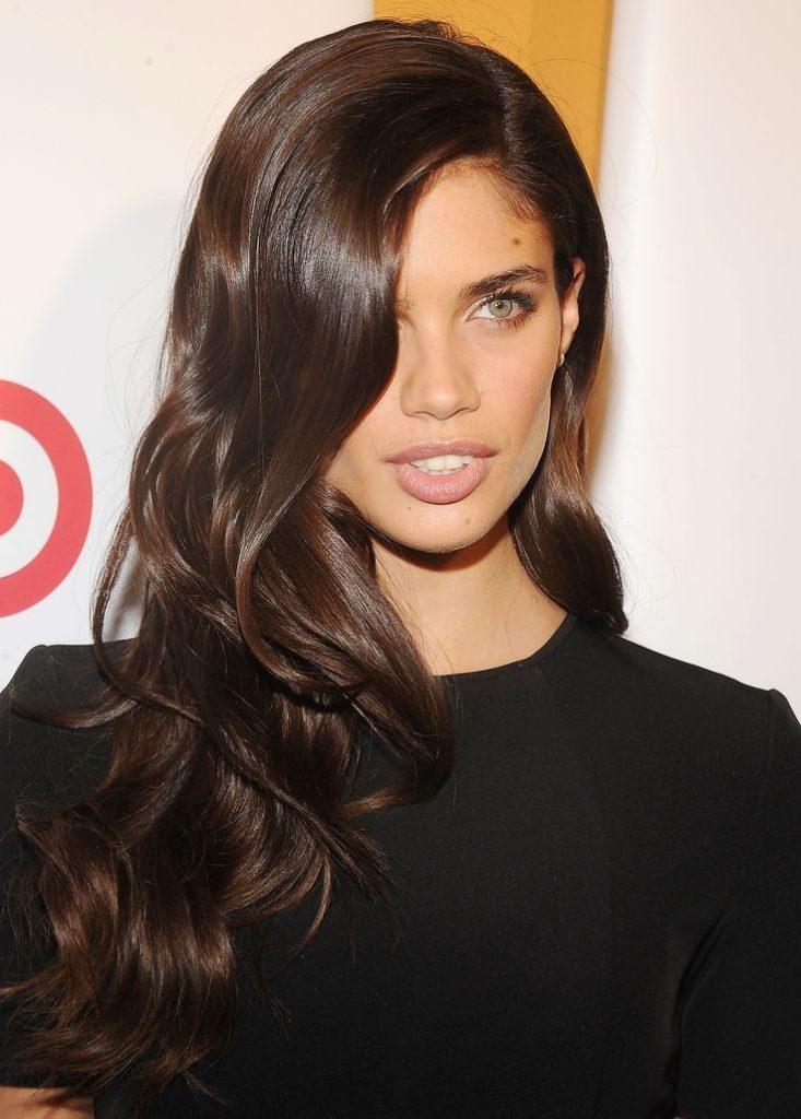 54fbfceaca44656bb7879ac46a84ec54 brown hair cool brown hair color 733x1024 - Коричневый цвет волос: оттенки, фото, краска, видео