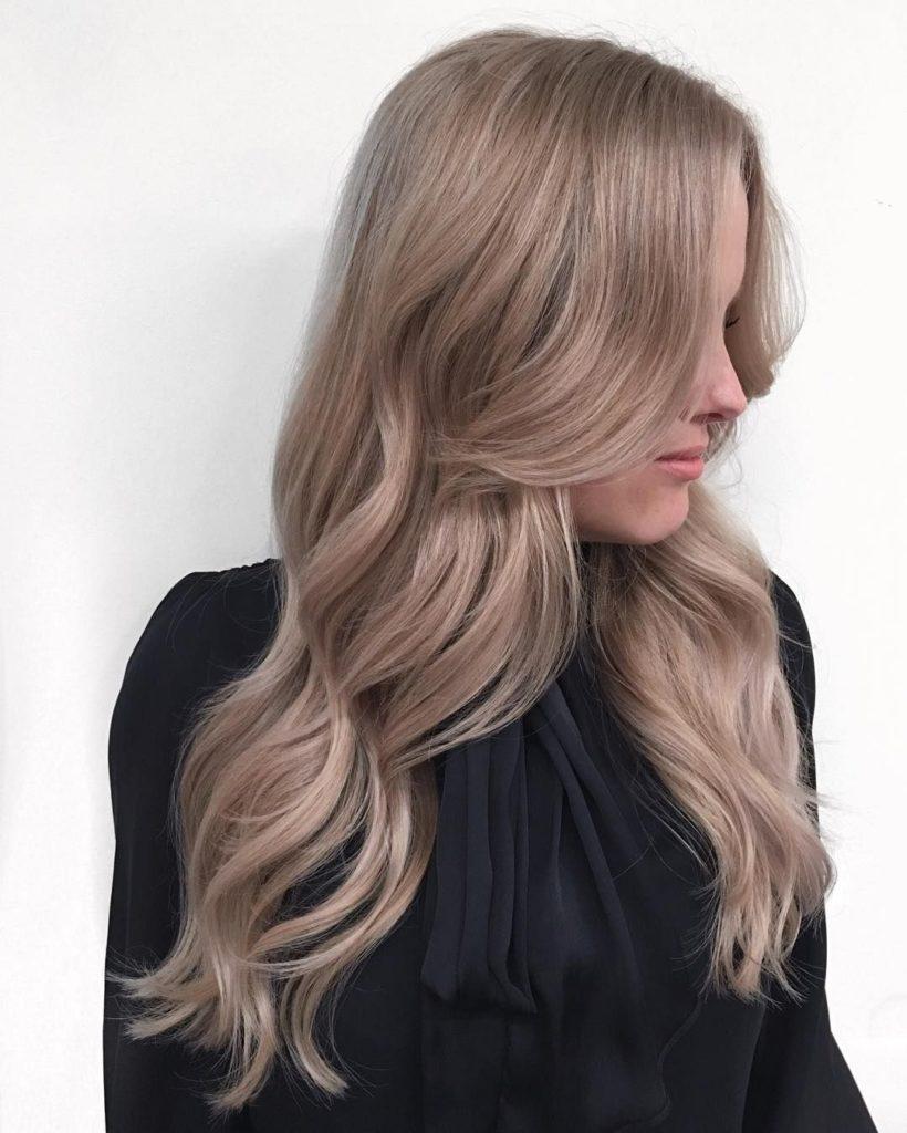 85a4f2d5b199931a29e9bfcf2a9fad36 820x1024 - Русый цвет волос: оттенки, фото, краска, как покраситься