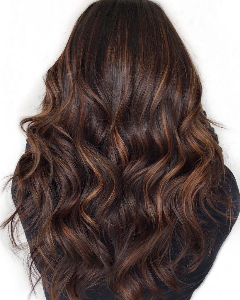 9a7070a0cce07c9c1b476d4c55b6a8f7 819x1024 - Шоколадный цвет волос: фото, краска, кому подходит