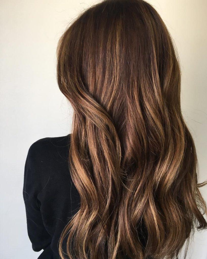c8915e68ba3a8747995cb74fb20d06e9 819x1024 - Цвет волос шатен краска, фото, кому подходит