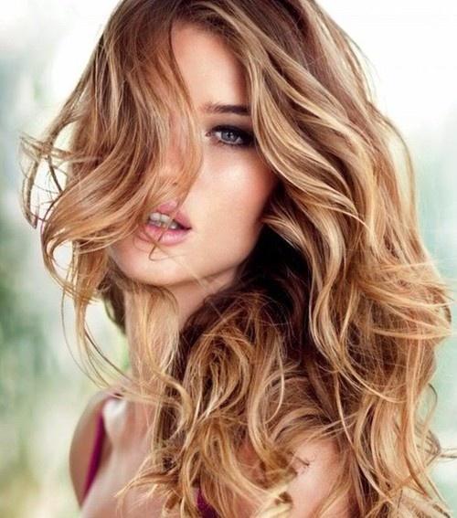 caramel highlights on light brown base 1 - Русый цвет волос: оттенки, фото, краска, как покраситься